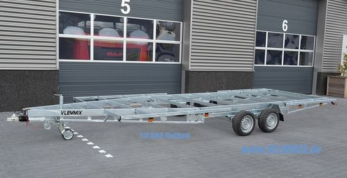 TH 600 Flatbed